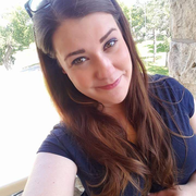 Lindsey B. - Winnetka Pet Care Provider