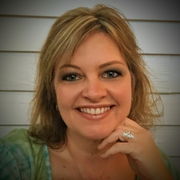 Lisa V. - Mills River Pet Care Provider