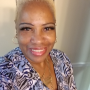 Yvonne H., Care Companion in Harvey, IL with 17 years paid experience