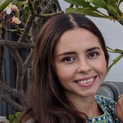 Julia M. - El Segundo Babysitter
