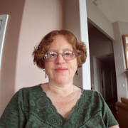 Debbie G. - Gladstone Babysitter