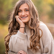McKenzie B., Babysitter in Bend, OR 97701 with 5 years of paid experience