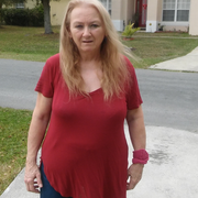 April B. - Kissimmee Babysitter
