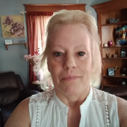 Lori W., Babysitter in Davenport, IA 52806 with 20 years of paid experience