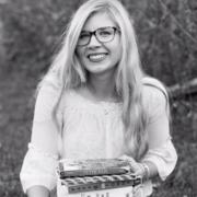 Madelyn T. - Tulsa Babysitter